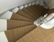 Tæppe er tilpasset hvert enkelt trin samt repos