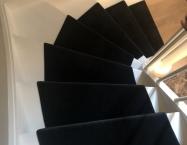 Det giver trappen et elegant forløb