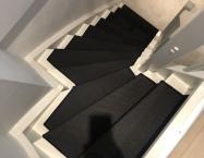 Speciel trappe beklædt med tæppe
